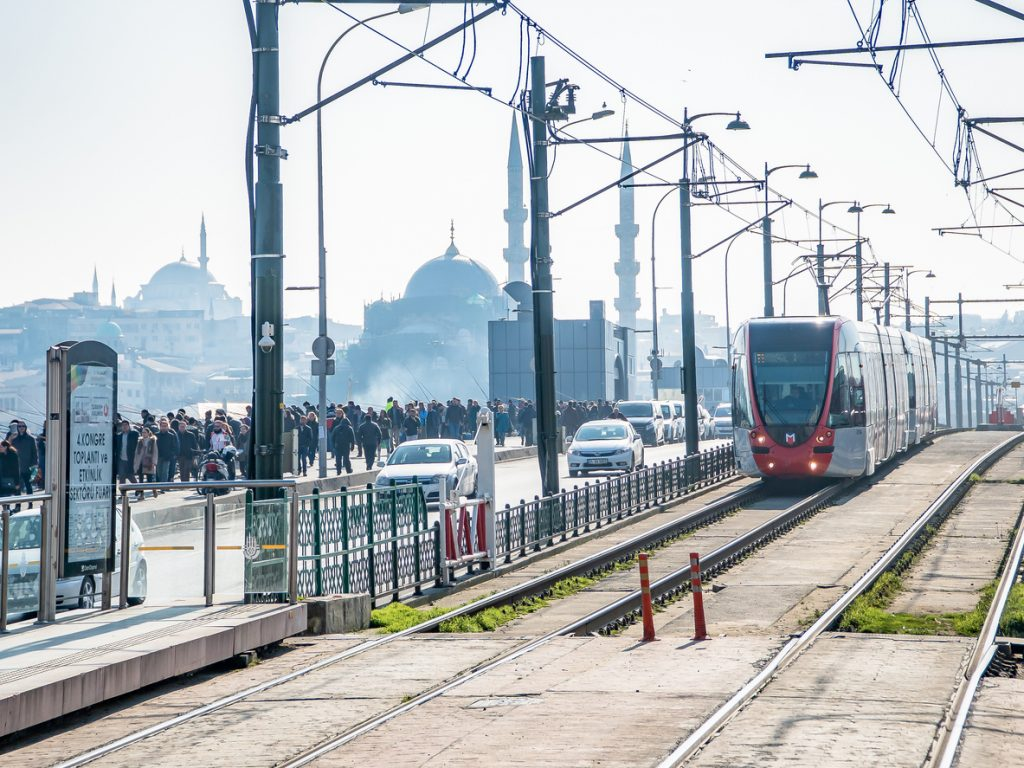 Istanbul metro expansion promotes green commuting